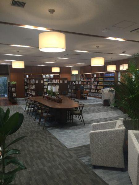 「旅の図書館」で旅行の下調べを